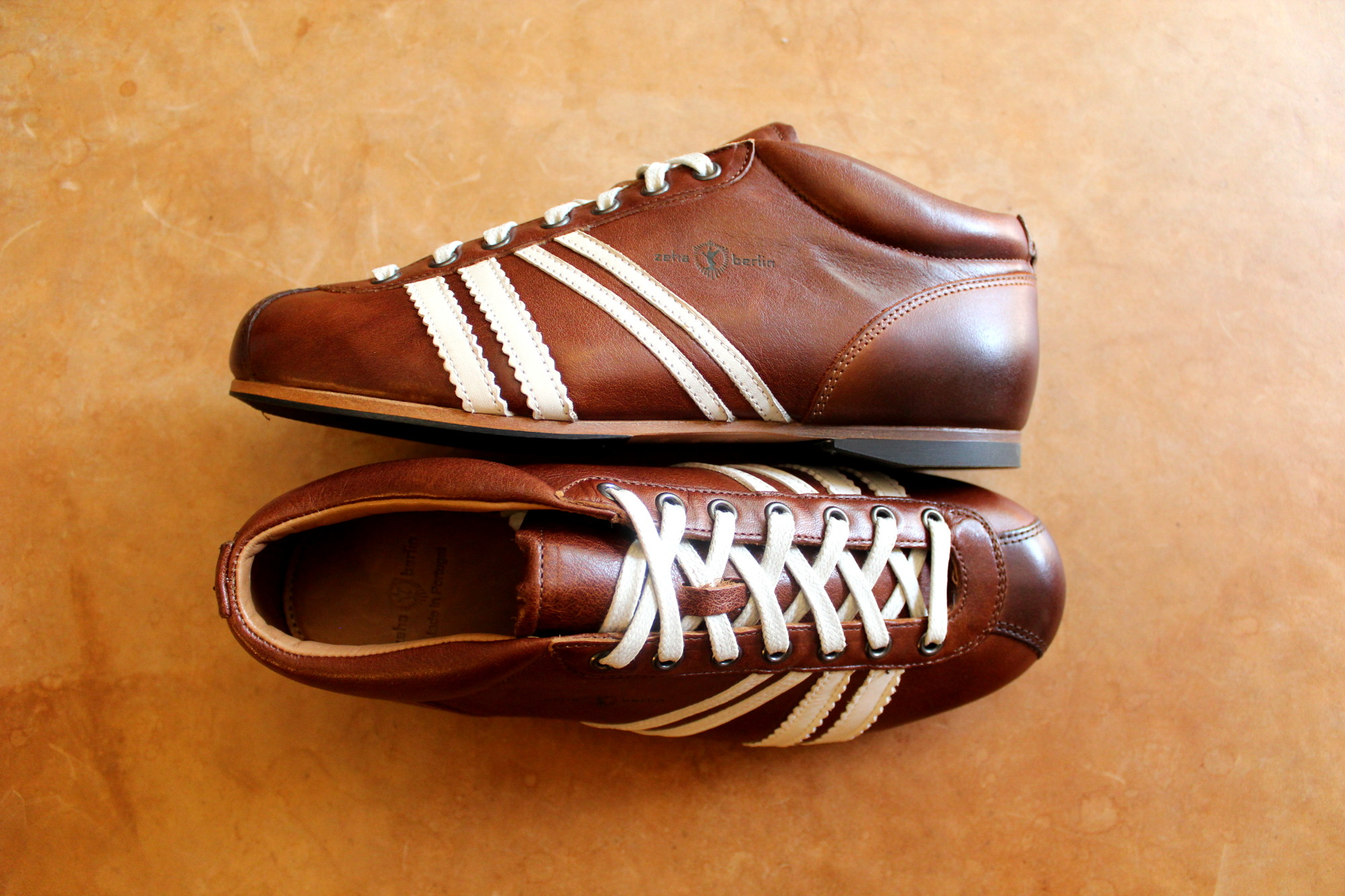 Carl Häßner Sneaker Liga in houston cognac