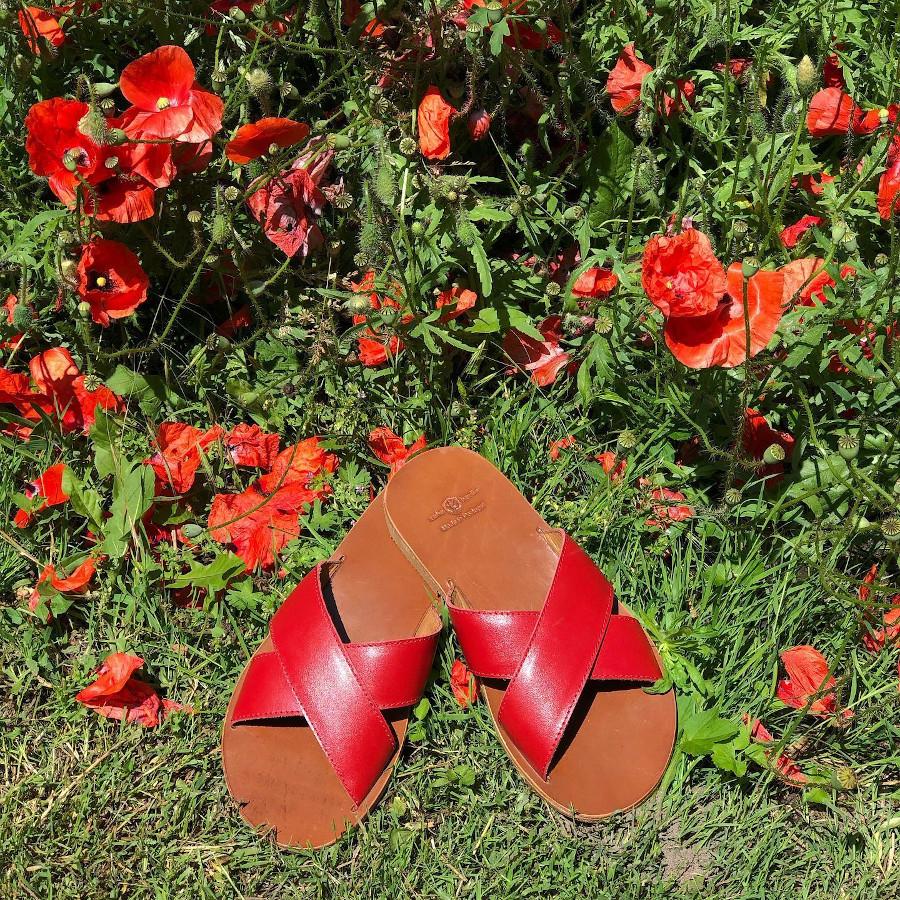 Rote Sandalen flach Zeha Berlin Summer 2020